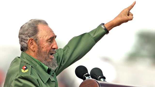 Fidel pointing