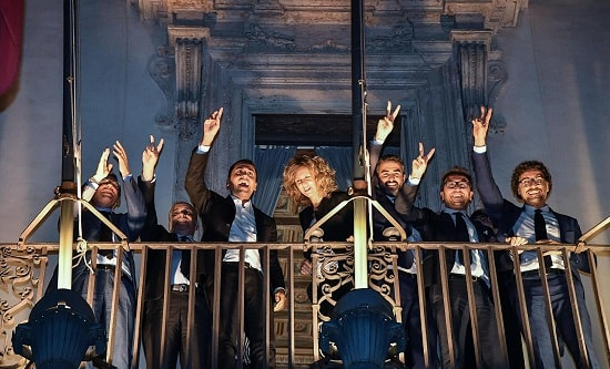 Italy's cabinet ministers celebrate after announcing budget plans, 27 September 2018