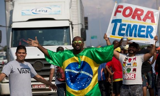 Striking lorry drivers protest against rising fuel costs in Duque de Caxias, Brazil